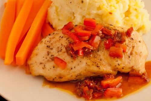 Kylling Sous Vide med Soltørket Tomat vinaigrette