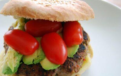 """Hamburger med """"gjemte"""" grønnsaker"""