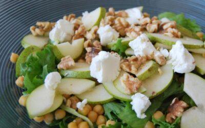 Chevre og kikertsalat