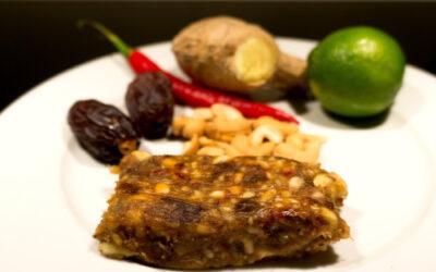 Energybar med Dadler, Cashew, Lime, Ingefær og chili
